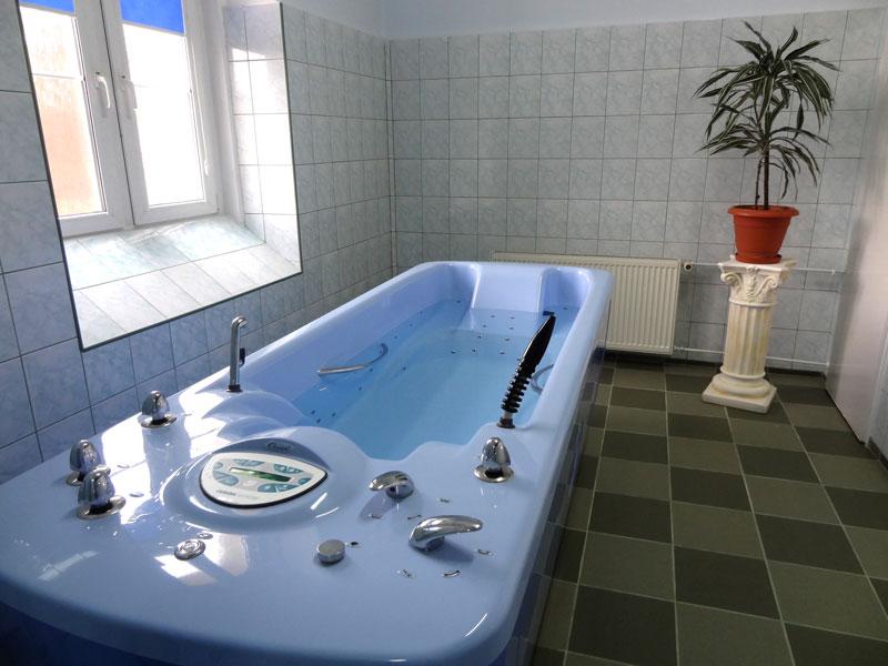 zdjęcie specjalistycznej wanny do kąpieli perełkowej